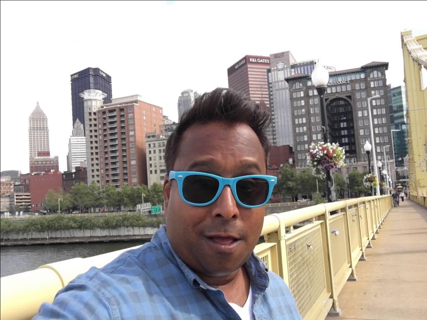 ali-khan-takes-selfie-in-pittsburgh