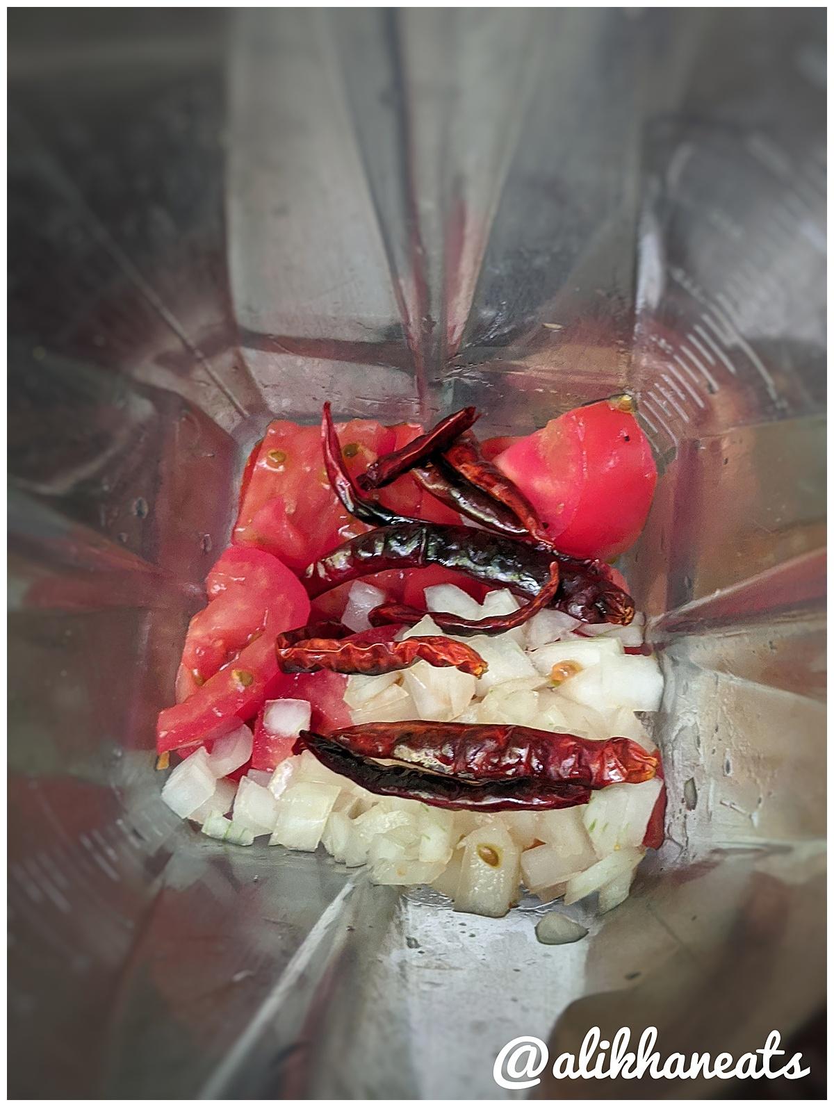 tomato arbol salsa in blender